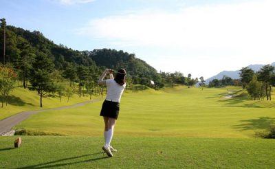 Phicogis-article-golf-saint-quentin-yvelines-SQY-blog-pour-tous-france-broderie-et-personnalisation-de-tous-les-textiles-flyers-medailles-coupe-59
